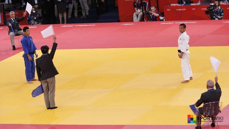 refereeing in judo